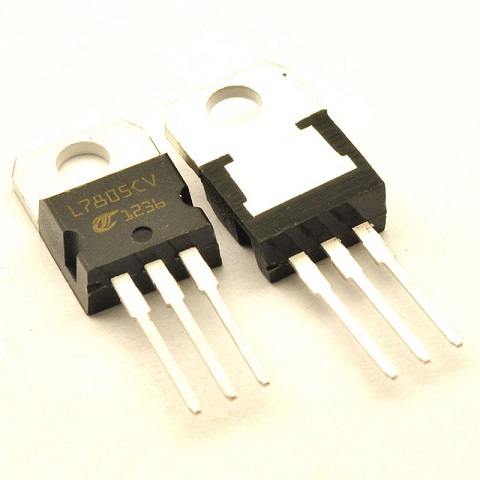30 Pieces/lot L7805CV 7805 L7805 TO220 +5V 1.5A POSITIVE VOLTAGE REGULATORS