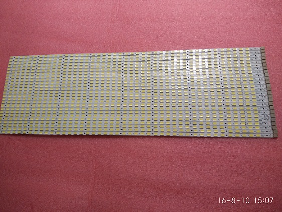 4 Pieces/lot KDL-40EX700 LK400D3LA8S LED strip SLED 090907 AE4060B RUNTK 4335TP RUNTK4335TP